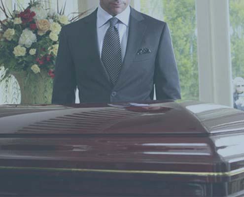 Лакированный гроб для похорон