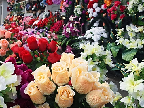 Какие цветы купить на похороны