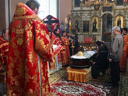 Отпевание усопшего в церкви