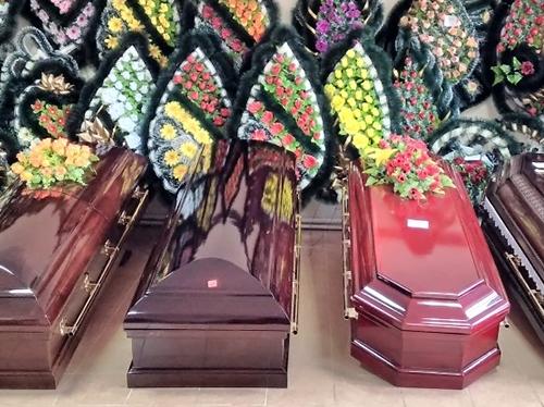 Лакированные гробы